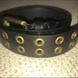 Women's Burberry black leather belt